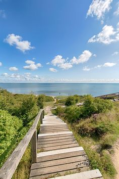 Holzweg ans Meer in Braderup auf der Insel Sylt - Nordsee - Serrano Days by Wilkens IFB - Hotel Beautiful World, Beautiful Places, Am Meer, Life Pictures, Europe, Coastal Living, Mother Earth, Summer Vibes, Most Beautiful Pictures