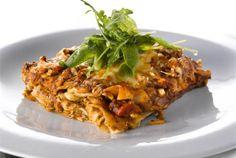 Pesto-pinaatti lasagne (kasvisruoka) Pesto, Vegetarian Recipes, Healthy Recipes, Healthy Food, Vegan Food, Finnish Recipes, Some Recipe, Sweet And Salty, Something Sweet