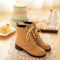 [grxjy5190120]Retro Lace-up Floral Perforated Pure Color Bootie