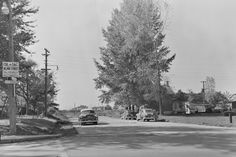 L'intersection de la 1re Avenue et de la rue des Peupliers, en direction ouest, en 1956.