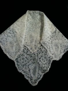 irish lace hankies, which I brought back from my recent trip to ireland - there is always at least one hanky in my handbag.