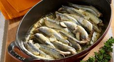 Γαύρος στο φούρνο με σάλτσα μουστάρδας και ζεστή πατατοσαλάτα | Συνταγές - Sintayes.gr Cetogenic Diet, Keto Recipes, Cooking Recipes, Good Food, Yummy Food, Delicious Recipes, Seafood, Turkey, Fish