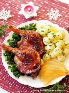 udka-kacze-pieczone-w-cydrze-z-gruszkami-zurawina-i-jarmuzem Polish Recipes, Polish Food, Tasty, Yummy Food, Ramen, Food And Drink, Pork, Thanksgiving, Chicken