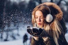 Winter portrait photography snow beautiful lovely free stock photo of adult beautiful christmas Geographical Norway, Snow Photography, Portrait Photography, Ocean Photography, Photography Classes, Makeup Photography, Fashion Photography, Winter Date Ideas, Kalter Winter
