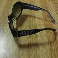 Authentic Coach Sunglasses*** EUC*** Black on the outside, dark gray on the inside, with silver coach trim on the handles.... Other