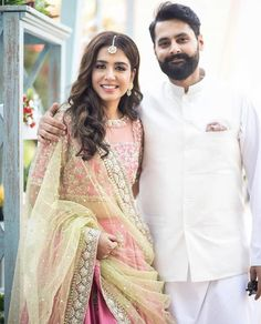 Actress Mansha Pasha and social activist Jibran Nasir got engaged in a beautiful day-time ceremony. The beautiful couple was more than happy at their engagement.& The post Mansha Pasha Hits Back At Trolls appeared first on The Pakistan Post. Bridal Lehenga Choli, Saree, Maya Ali, Pakistani Street Style, Mahira Khan, Pakistan Fashion, Pakistani Actress, Celebs, Celebrities
