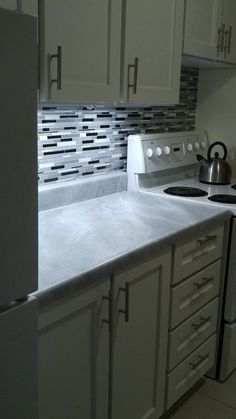 My Kitchen Updo - How I Marbled the Counter Tops With Paint!