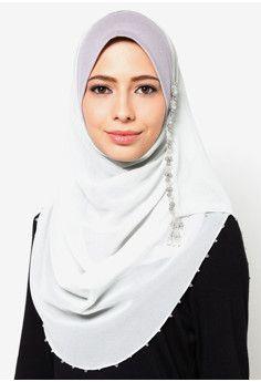 Aleesya Beaded Set With Inner Shawl Hijab Fashion, Diy Fashion, Fashion Design, Free Vouchers, Seductive Pose, Hijab Niqab, Modest Wear, Hijab Tutorial, Hijab Styles