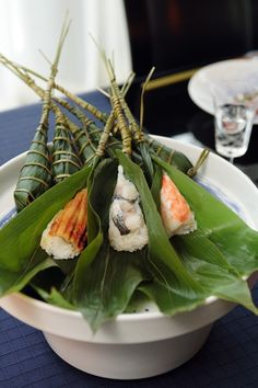 Chimaki Sushi, Japanese Rice-Dumplings Wrapped in Bamboo Leaves Japanese Food Sushi, Japanese Dishes, Japanese Rice, Sushi Recipes, Asian Recipes, Bento, Food Design, Biryani, Love Food