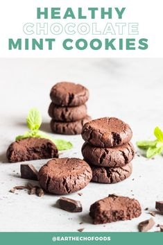 If you have an affinity for a certain type of minty-chocolate cookies, we think you'll LOVE this recipe. Made with natural sweeteners and some of Mother Earth's best superfoods, these Chocolate Mint Cookies will help you forget other options even exist. Grab this healthy, delicious recipe now.. Healthy Fudge, Healthy Candy, Healthy Chocolate, Healthy Cookies, Healthy Treats, Healthy Desserts, Chocolate Recipes, Delicious Desserts, Dessert Recipes