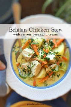 Delicious waterzooi: a chunky chicken stew with leeks, celery, carrots and lots of cream. This is Belgian comfort food! Delicious waterzooi: a chunky chicken stew with leeks, celery, carrots and lots of cream. This is Belgian comfort food! Waterzooi Poulet, Stew Chicken Recipe, Chicken Recipes, Turkey Recipes, Soup Recipes, Cooking Recipes, Healthy Recipes, Coffe Recipes, Bon Appetit