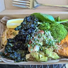 What a wicked meal! Thanks Day Kitty in #Warrnambool  #Quinoa #kimchi pickled veg #kale chips #avocado #sprouts mixed nuts & seeds #pumpkin #broccoli & spinach... And somewhere under there a really awesome #cashew sauce!! #vegan #vegetarian #vegansofig #veganfoodshare #whatveganseat #cleaneating #glutenfree #dairyfree by appetiteaffliction