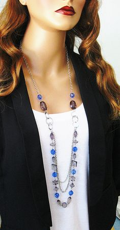 Long Blue Beaded Necklace Blue and Grey Chunky di RalstonOriginals