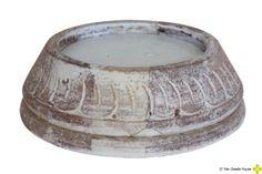 Handgemaakte houten platte kandelaar, geschikt voor verschillende type kaarsen..... www.vangoedehuyze.nl