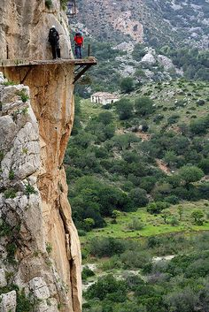 most-dangerous-hiking-trail - El Camino del Rey www.facebook.com/loveswish