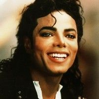 Michael Jackson's sister La Toya has claimed the late singer is haunting his childhood home. The believes Jacko's spirit is looking over his Janet Jackson, The Jackson Five, Jackson Family, Pentatonix, Elvis Presley, Invincible Michael Jackson, Michael Jackson Images, Michael Jackson Smile, We Will Rock You