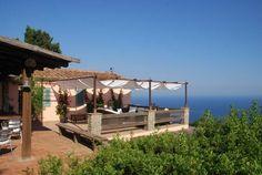 wunderschöne Terrasse mit Blick auf die Mittelmeerküste