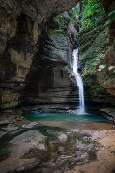 Hike Cecil Cove Loop Trail to Thunder Canyon Falls in the Buffalo National River Area of the Ozark Mountains, Arkansas.