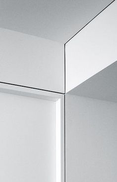 Flush & Recessed Baseboards -The Minimalist Molding You Need For Your Modern Home Interior Trim, Interior And Exterior, Interior Design, Detail Architecture, Interior Architecture, Drywall, Baseboards, Ceiling Detail, Ceiling Design