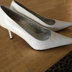 White Steve Madden pumps White Steve Madden pumps, great condition. Steve Madden Shoes Heels