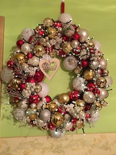 Ornament Wreath, Ornaments, Christmas Decorations, Wreaths, Wreath Ideas, Home Decor, Homemade Home Decor, Door Wreaths, Christmas Decor