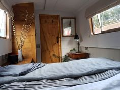 Boutique Narrowboat hire & training - Boats for Rent in Lutterworth, United Kingdom Narrowboat Interiors, Canal Boat Hire, Barge Interior, Interior Design, Canal Boat Interior, Houseboat Living, Houseboat Ideas, Boutique Retreats, House