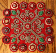 I've been snowed in and away from my sewing machine, so I made this hand-sewn wool penny rug. Penny Rug Patterns, Wool Applique Patterns, Felt Applique, Wool Quilts, Wool Fabric, Penny Rugs, Felt Crafts, Fabric Crafts, Quilt Book