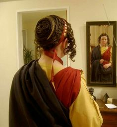 Roman November Crown 2004 image only Historical Hairstyles, Medieval Hairstyles, Rome Fashion, Fashion History, Historical Costume, Historical Clothing, Roman Hairstyles, Roman Dress, Roman Clothes