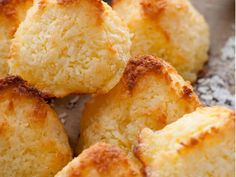 Fresh and tangy lemon is a lovely addition in this classic cookie. This simple treat is easy to make, nut free and completely delicious! Paleo, Keto, Lemon Coconut, Coconut Macaroons, Nut Free, Cornbread, Snack Recipes, Chips, Treats