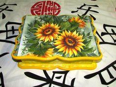 Caixa de chá C/ 6 divisórias com pintura ESPONJADA - Tema: GIRASSOL .    Temos outras cores, consulte por email ou pelo tel. .    Aproveitem !!! R$ 35,00