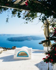 Santorini, Greece   Travel Guide