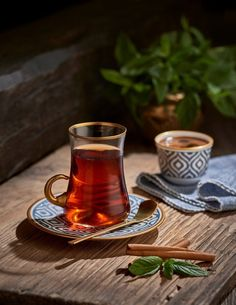 coffee tea Turkish tea and Turkish coffee Turkish Delight, Turkish Coffee, Tea Recipes, Coffee Recipes, Momento Cafe, Tee Kunst, Coffee Photography, Food Photography, My Tea
