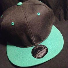 Snapbak's para qualquer informação enviar email para maeafroo@outlook.pt Snapback, Baseball Hats, Cap, African Textiles, Baseball Hat, Baseball Caps, Snapback Hats, Snapback Cap, Baseball Cap