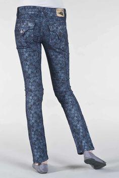 NEED THESE?!?! GO TO www.vaultdenimonline.com enter code 171028 for your own pair!   Vault Denim Online Jean Party - Women's Prints – Laser