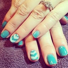 An easy design: | 21 Adorable Manicure Ideas For Short Nails