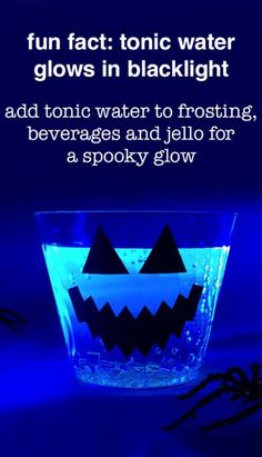 11 Wickedly Easy Halloween Party Ideas - Mix tonic water into your Halloween punch and drink under a blacklight for a spooky glow-in-the-dark drink. Halloween Drinks, Halloween Food For Party, Halloween Birthday, Holidays Halloween, Spooky Halloween, Halloween Treats, Happy Halloween, Halloween Decorations, Halloween Stuff