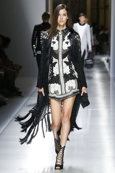 Pauline Hoarau.ーBalmain Spring 2018 Menswear Fashion Show
