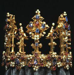Esta corona fue incluido en un inventario de los tesoros de Richard II, y en 1402 formó parte de la dote de la hija de Enrique IV Blanche.