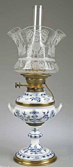 "A Meissen-Style Blue and White Porcelain Kerosene Lamp in the ""Onion"" Pattern."
