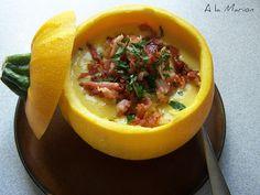Zur Vorspeise: Gelbe Zucchini-Cremesuppe