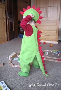 Auch wenn heute am Aschermittwoch der Karneval vorbei ist, möchte ich euch trotzdem noch die Kostüme von meinen Kleinen zeigen.   Was will m...