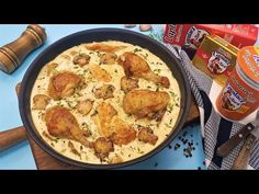 Pui cu ciuperci si usturoi, in sos cremos de smantana - YouTube Romanian Food, Jamie Oliver, Easy Cooking, How To Cook Chicken, Food Videos, Cauliflower, Macaroni And Cheese, Homemade, Vegetables