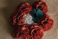 Bouquet ramo de flores de tela en color nude o maquillaje y blanco   con broche  azul empolvado 606619349 algodondeluna@gmail.com