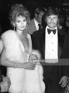 jill-ireland-and-charles-bronson-during-afi-salute-to-john-ford-picture-id105157743 (764×1024)