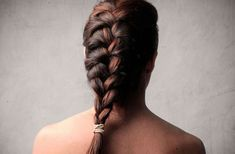 10 Tricks to Wake Up With Perfect Hair