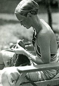 Ruth von Morgen, Berlin, 1934 by Marianne Breslauer [ see also;] from everyday_i_show [I treated myself with a haircut today, it feels wonderful-its almost as short:]