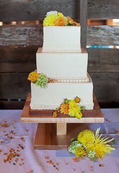 Panorama Farms Wedding Cake on Borrowed & Blue