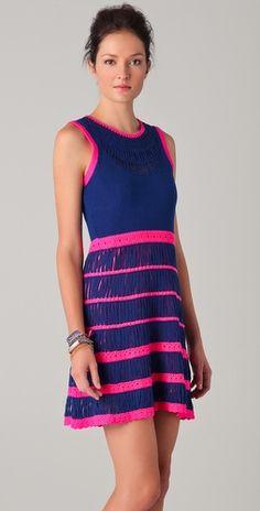 Cute sun dress!    ✮✮ Please feel free to repin ♥ღ  www.myvintagecameras.com