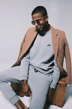 10 Tendências da moda masculina que bombaram em 2017 e vão continuar em 2018 – O Cara Fashion - Esportivo - Sport Style - Normcore - Alfaiataria - Tailored - Pochete - Fanny Pack - Side Bag - Macacão - Sunglasses - óculos coloridos