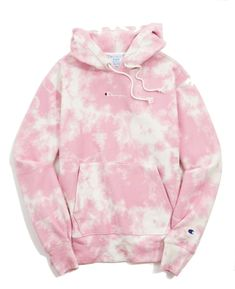 Shop Champion UO Exclusive Reverse Weave Tie-Dye Short at Urban Outfitters today. Tie Dye Shirts, Tie Dye Sweatshirt, Hoodie Sweatshirts, Sweater Hoodie, Band Shirts, Diy Tie Dye Hoodie, Diy Hoodies, Hoody, Sweat Shirt